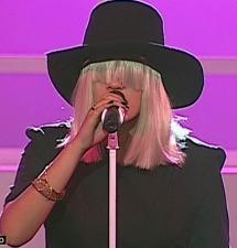 Sia de Yo soy arrancó aplausos del público con